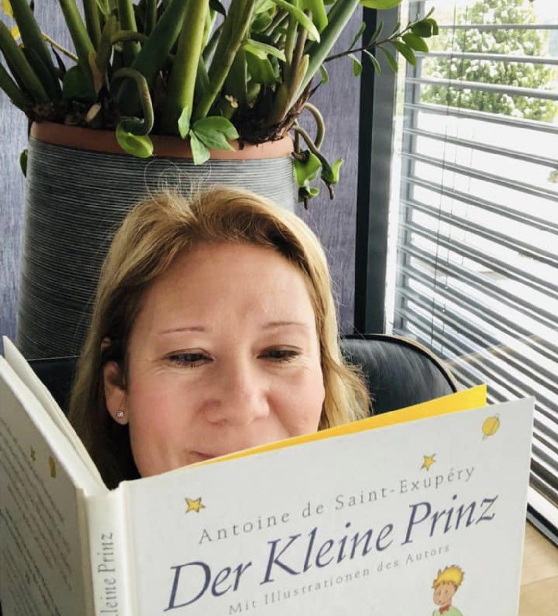 """Vorlesetag - Pamela liest aus """"Der kleine Prinz"""""""